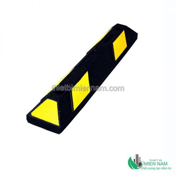 Cục chặn bánh xe bằng cao su MNCC01